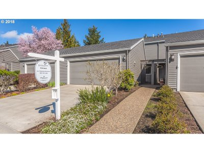 Lake Oswego Single Family Home For Sale: 68 Greenridge Ct