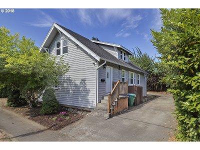 Single Family Home For Sale: 7411 N Delaware Ave