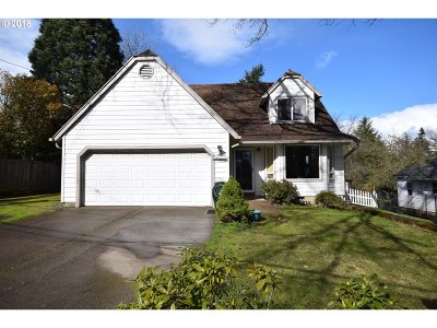 Portland Single Family Home For Sale: 3811 SW Baird St
