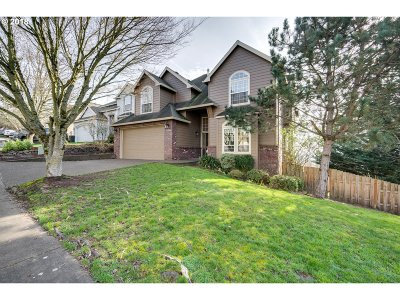 Tigard Single Family Home For Sale: 12366 SW Autumn View St