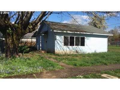 Sweet Home Single Family Home Pending: 1029 13th Ave