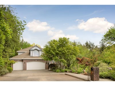 Multnomah County Single Family Home For Sale: 6336 SW Meade Ct