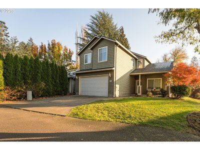 Beaverton Single Family Home For Sale: 18921 SW Bonnie Meadow Ln
