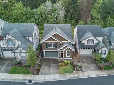 Portland Single Family Home For Sale: 9404 NW Harvest Hill Dr