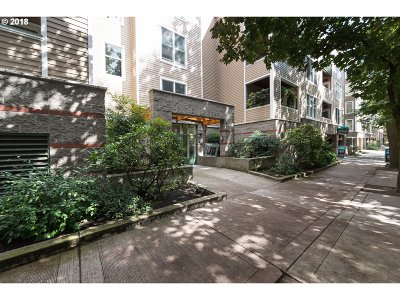 Portland Condo/Townhouse For Sale: 0205 SW Montgomery St #305