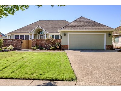 Woodburn Single Family Home For Sale: 940 Tukwila Dr