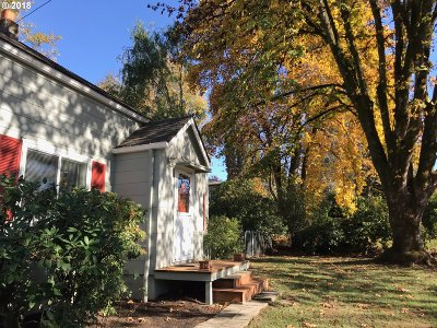 Single Family Home For Sale: 5131 SW Vermont St