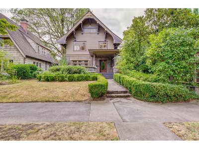 Portland Single Family Home For Sale: 1517 SE Maple Ave