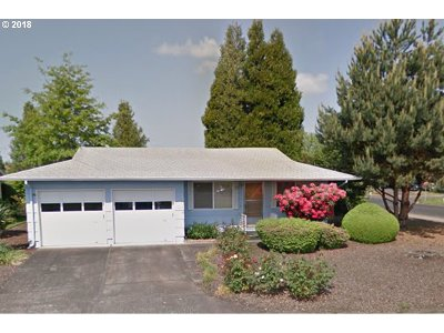Woodburn Single Family Home For Sale: 113 S Columbia Dr