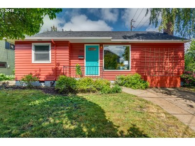 Single Family Home For Sale: 7341 N Macrum Ave