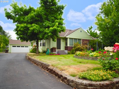 Hillsboro Single Family Home For Sale: 1087 NW Connell Ave