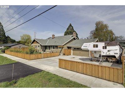 Hillsboro Single Family Home For Sale: 3287 NE Brogden St