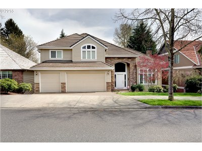 West Linn Single Family Home For Sale: 2730 Beacon Hill Dr
