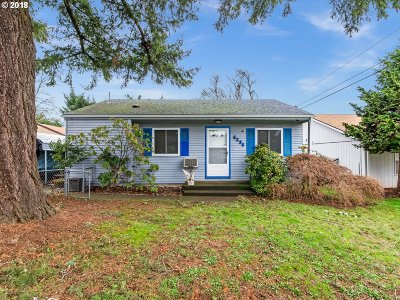 Portland Single Family Home For Sale: 4234 SE 113th Ave