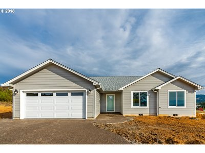 Sutherlin Single Family Home For Sale: 784 Pebble Creek Rd