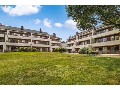 Condo/Townhouse For Sale: 5250 SW Landing Dr #110B1