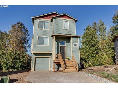 Estacada Single Family Home For Sale: 597 NE Caden Ct