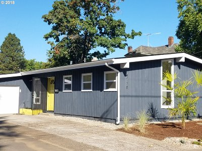 Portland Single Family Home For Sale: 4915 SE 74th Ave