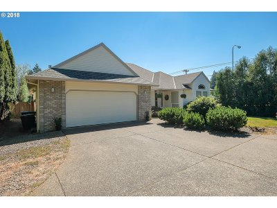Hillsboro Single Family Home For Sale: 1215 SE Marla Pl
