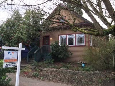 Single Family Home For Sale: 3636 SE Morrison St