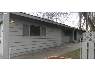 Hermiston Single Family Home For Sale: 1089 W Highland Ave