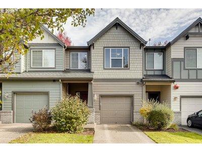 Newberg Single Family Home For Sale: 728 Little Oak St