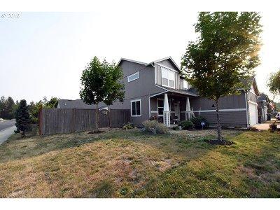Elmira, Veneta Single Family Home For Sale: 25230 Irenic Ave