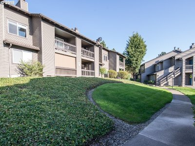 Beaverton Condo/Townhouse For Sale: 9480 SW 146th Ter #3