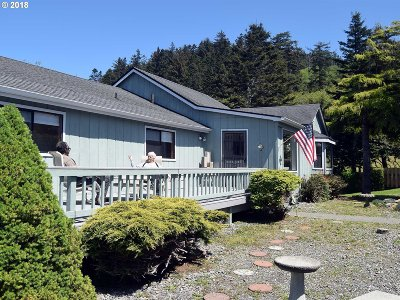 Gold Beach Single Family Home For Sale: 32944 Hillside Acres Rd