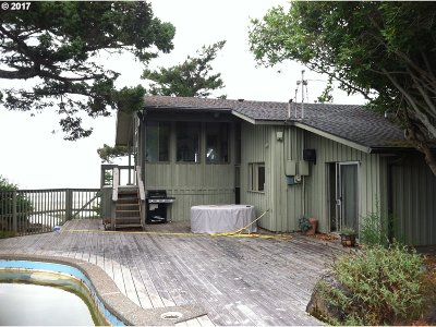 Gold Beach OR Single Family Home For Sale: $318,500