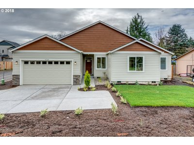 Single Family Home For Sale: 4346 SE Cedar St