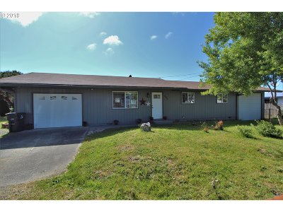 Coos Bay Single Family Home For Sale: 580 S Morrison
