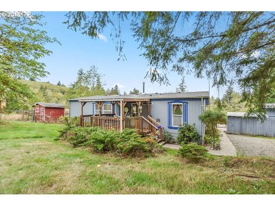Cowlitz County Single Family Home For Sale: 607 Walker Rd
