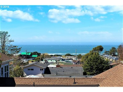 Gold Beach Single Family Home For Sale: 94248 8th St