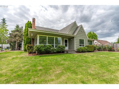 Canby Single Family Home For Sale: 941 S Fir St