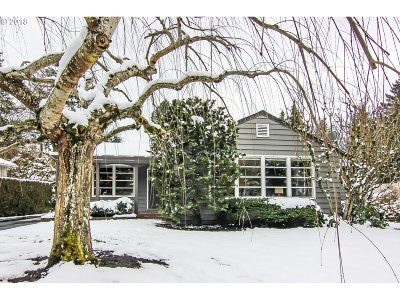 Portland Single Family Home For Sale: 3420 SW Seymour St