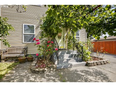 Portland Single Family Home For Sale: 7235 SE Clatsop St