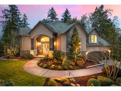 Lake Oswego Single Family Home For Sale: 14005 Goodall Rd