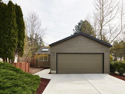 Lake Oswego Single Family Home For Sale: 99 Kingsgate Rd
