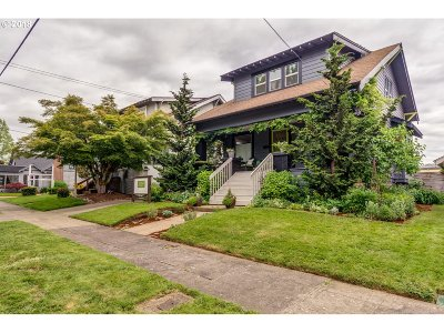 Yamhill County Single Family Home For Sale: 142 NE 7th St