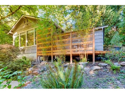 Portland Single Family Home For Sale: 10750 SW Boones Ferry Rd