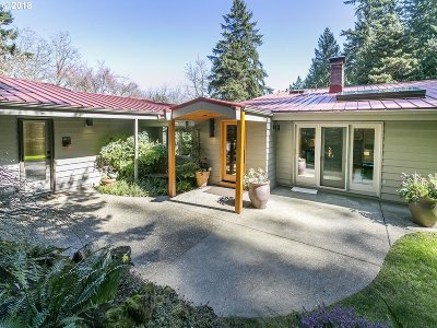 Portland Single Family Home For Sale: 11612 SW Lancaster Rd