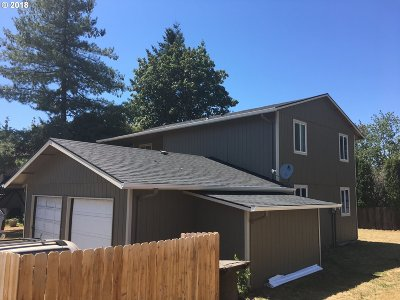 Oregon City Multi Family Home For Sale: 13271 Clairmont Way