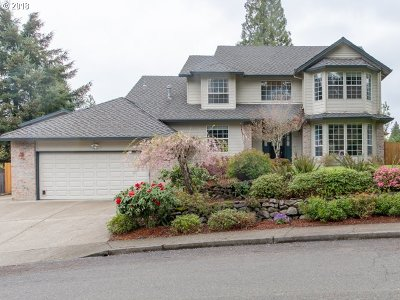 Milwaukie Single Family Home For Sale: 5929 SE Eastbrook Dr