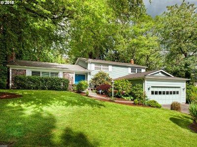 Lake Oswego Single Family Home For Sale: 17640 Tree Top Way