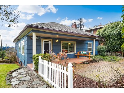 West Linn Single Family Home For Sale: 2208 Long St