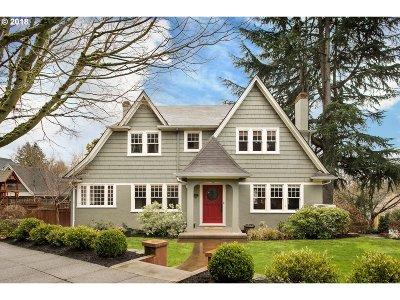 Single Family Home For Sale: 2414 NE Ridgewood Dr