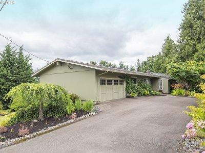 Lake Oswego, West Linn Single Family Home For Sale: 2140 Maple Ter
