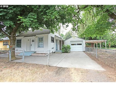 Portland Single Family Home For Sale: 6647 SE 64th Ave