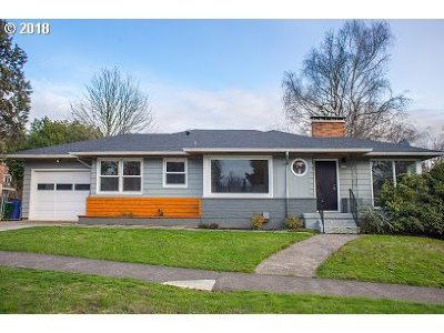 Portland Single Family Home For Sale: 6230 SW 45th Ave
